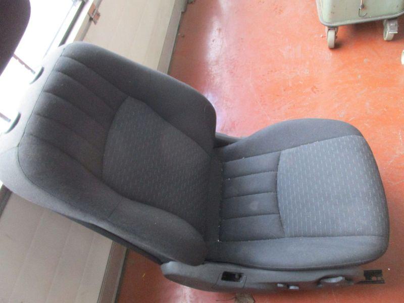 Sitz rechts vorn Flecken siehe BildMERCEDES-BENZ C-KLASSE T-MODEL (S203) C 220 CDI