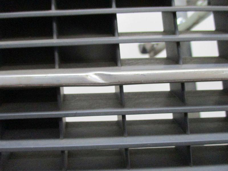 Kühlergrill Kratzer Steinschläge siehe BildMERCEDES-BENZ C-KLASSE T-MODEL (S203) C 220 CDI
