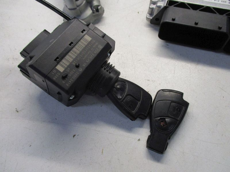 Steuergerät Motor Satz Mit Wegfahrsperre 2 Schlüssel ZündschloßMERCEDES-BENZ C-KLASSE T-MODEL (S203) C 220 CDI