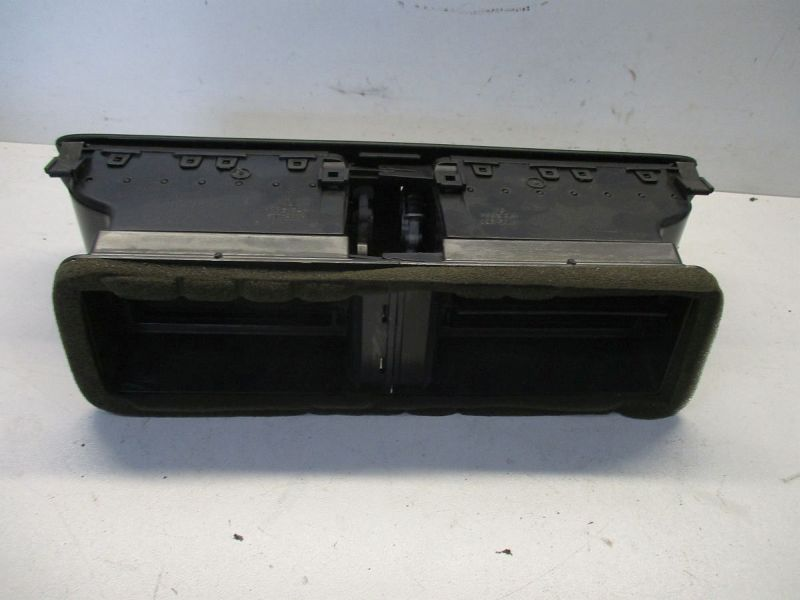 Luftdüsengehäuse mitte VW PASSAT VARIANT (3C5) 2.0 TDI 16V