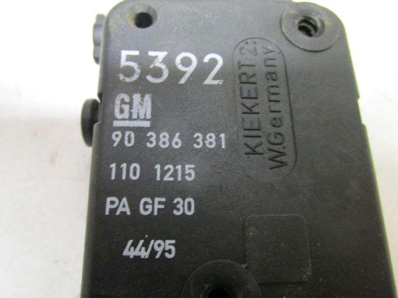 Stellelement Zentralverriegelung TankklappeOPEL TIGRA (95_) 1.4 16V