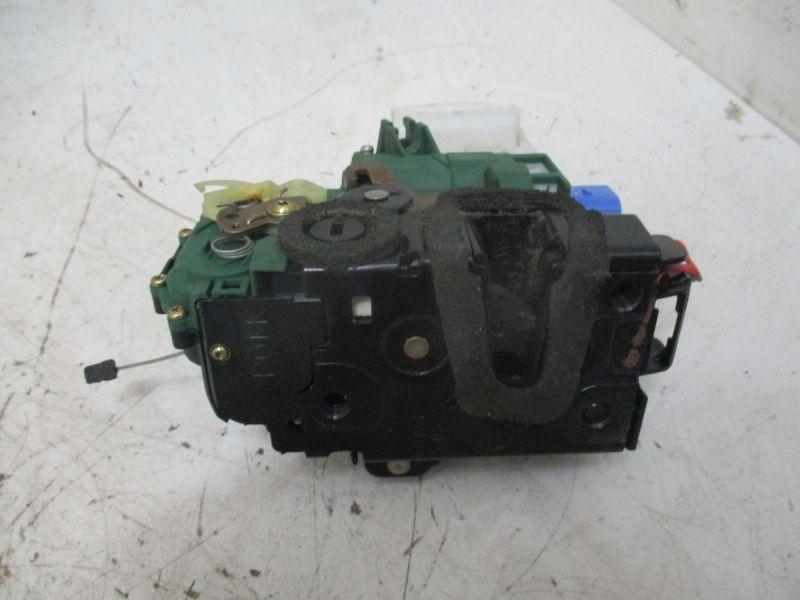 Türschloß mit ZV links hinten VW POLO (9N_) 1.2 12V