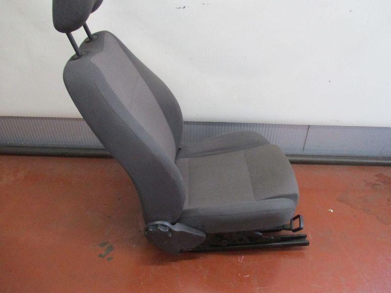 Sitz links vorn StoffVW FOX (5Z1, 5Z3) 1.2