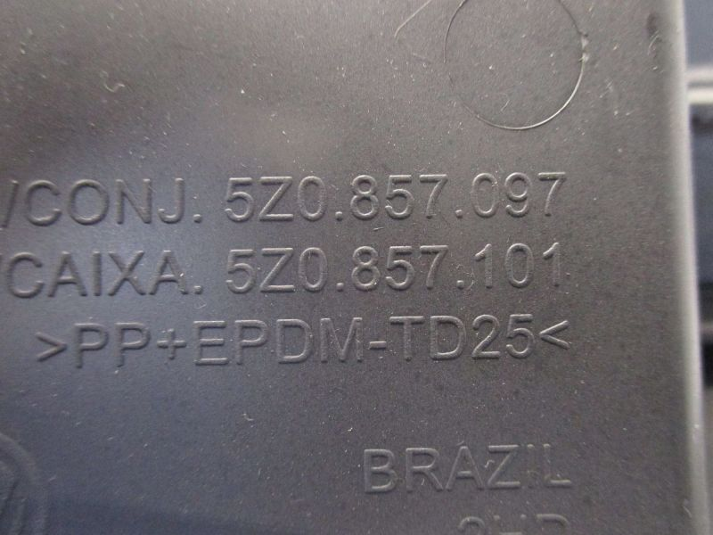 Handschuhfach VW FOX (5Z1, 5Z3) 1.2
