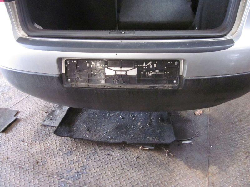 Stoßstange hinten Kratzer siehe BildVW GOLF V (1K1) 1.4 16V