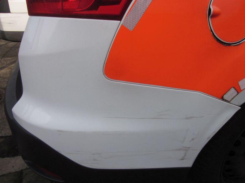 Stoßstange hinten Frost-Weiß 5F,Kratzer,Beschädigungen siehe FotoFORD FOCUS III TURNIER 1.5 TDCI