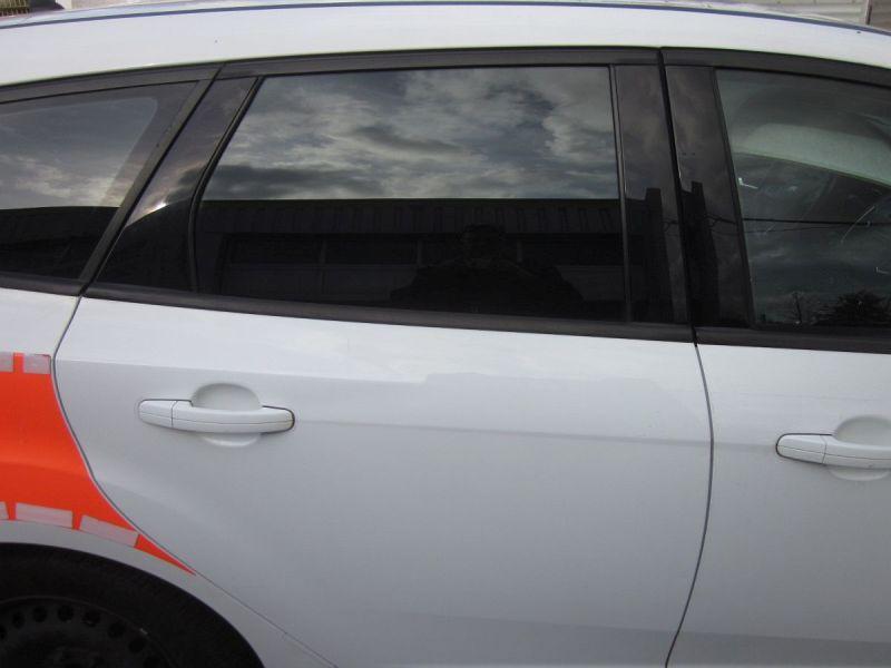 Tür rechts hinten Frost-Weiß 5F,KratzerFORD FOCUS III TURNIER 1.5 TDCI